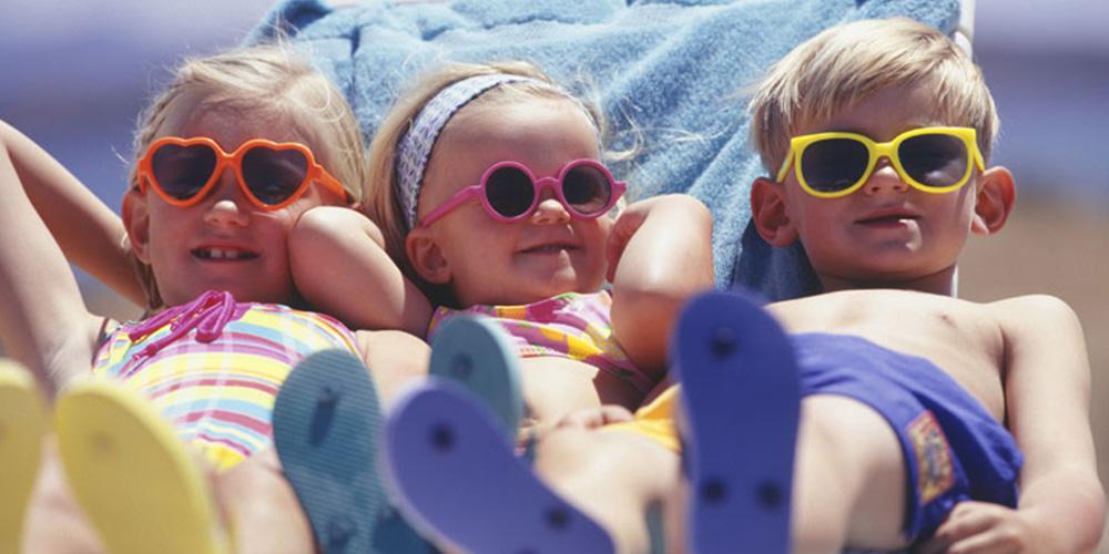 Razones para proteger la vista de los niños del sol